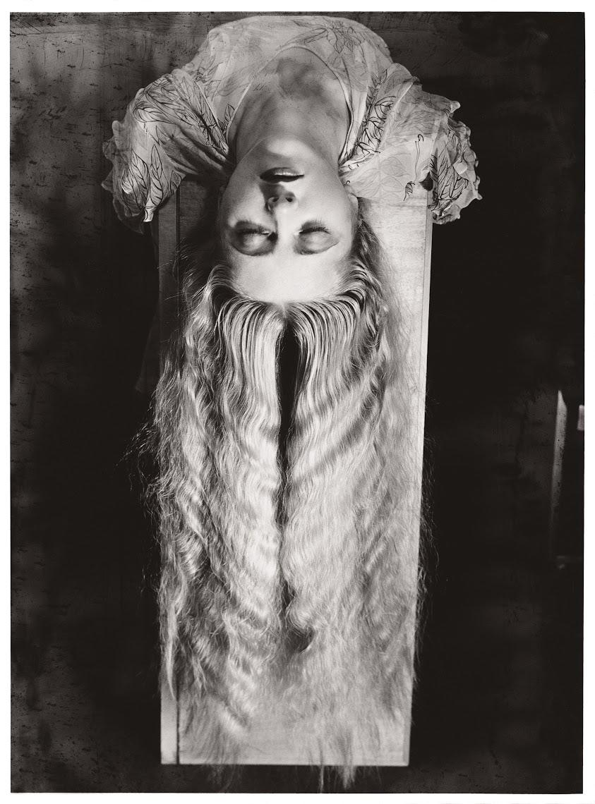 Man Ray: Moteris ilgais plaukais (1929 m.)