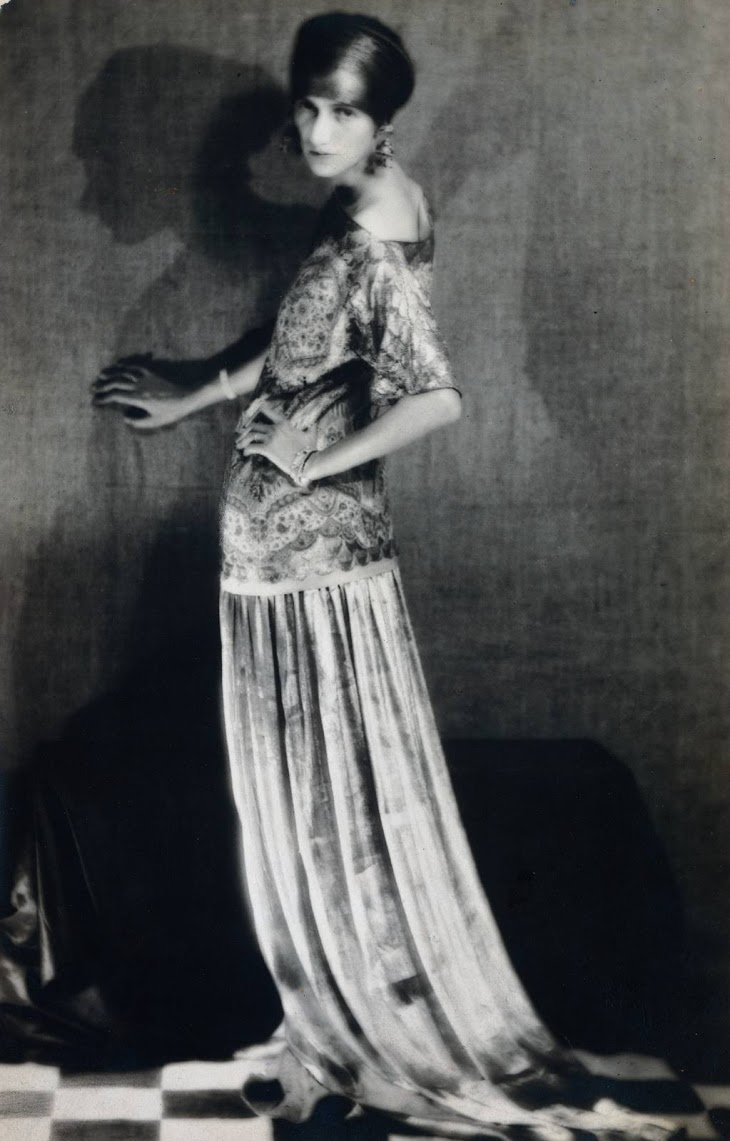 Man Ray: Peggy Guggenheim (1924 m.)