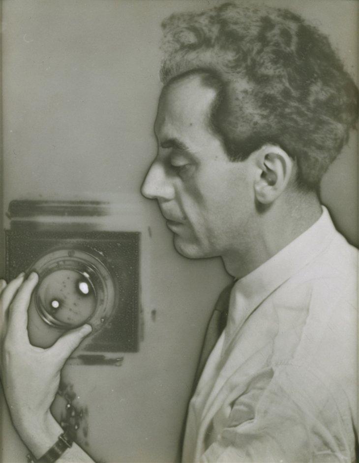 Man Ray: autoportretas (1932 m.)