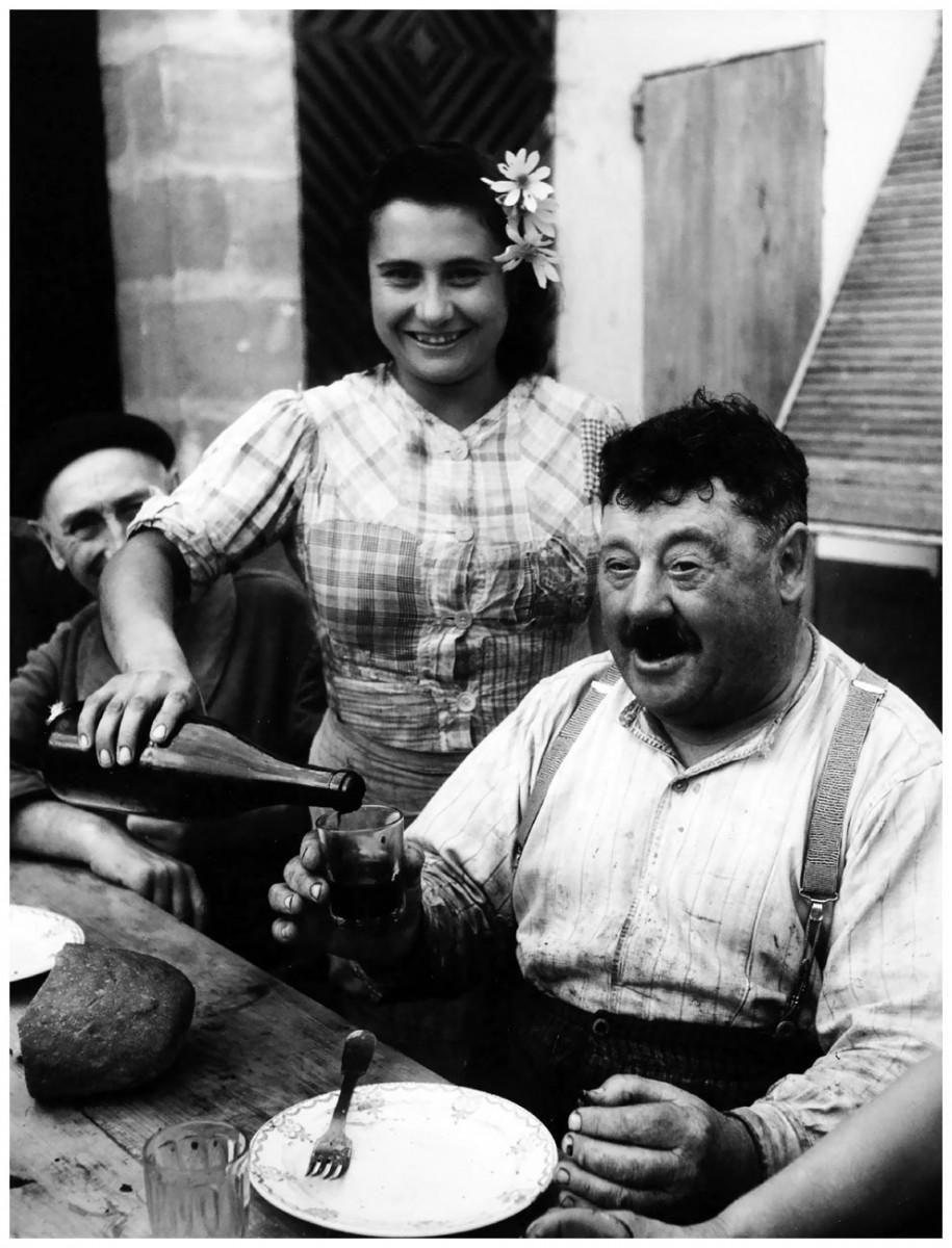 Willy Ronis: Vigneron de Cavignac, Žirona, 1945